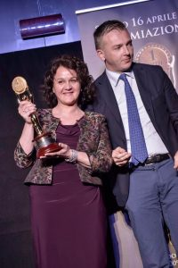 Emanuela Perenzin riceve premio speciale per la Miglior Selezione di Formaggi del Cheese Bar PER